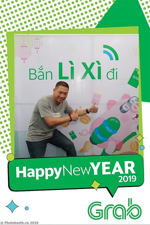Grab-Da-Nang-Office-New-Year-instant-print-photobooth-Chup-anh-hinh-hinh-lay-lien-nam-moi-photobooth-vietnam-012-2
