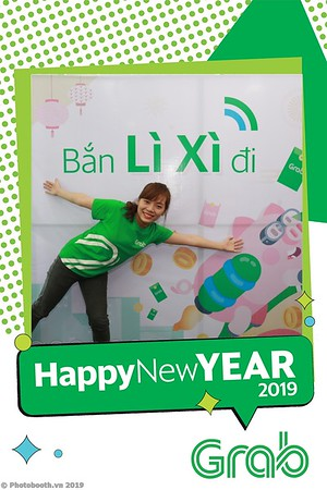 Grab-Da-Nang-Office-New-Year-instant-print-photobooth-Chup-anh-hinh-hinh-lay-lien-nam-moi-photobooth-vietnam-005-3