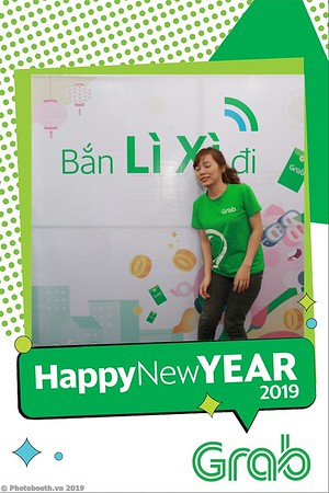 Grab-Da-Nang-Office-New-Year-instant-print-photobooth-Chup-anh-hinh-hinh-lay-lien-nam-moi-photobooth-vietnam-003-1