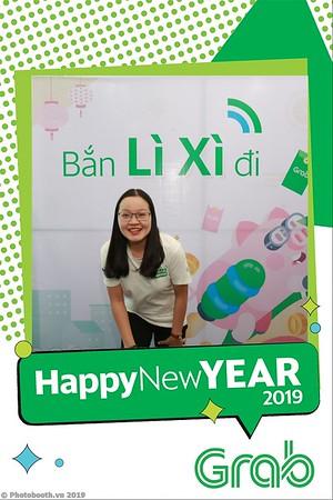 Grab-Da-Nang-Office-New-Year-instant-print-photobooth-Chup-anh-hinh-hinh-lay-lien-nam-moi-photobooth-vietnam-001-1