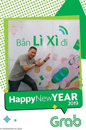 Grab-Da-Nang-Office-New-Year-instant-print-photobooth-Chup-anh-hinh-hinh-lay-lien-nam-moi-photobooth-vietnam-012-3