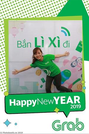 Grab-Da-Nang-Office-New-Year-instant-print-photobooth-Chup-anh-hinh-hinh-lay-lien-nam-moi-photobooth-vietnam-003-2