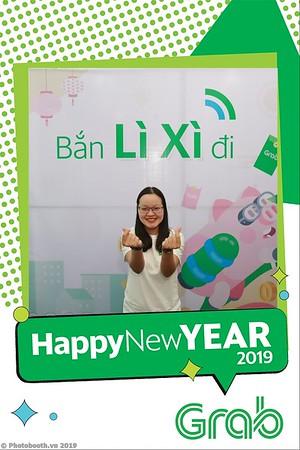 Grab-Da-Nang-Office-New-Year-instant-print-photobooth-Chup-anh-hinh-hinh-lay-lien-nam-moi-photobooth-vietnam-002-1