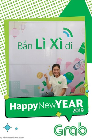 Grab-Da-Nang-Office-New-Year-instant-print-photobooth-Chup-anh-hinh-hinh-lay-lien-nam-moi-photobooth-vietnam-010-2