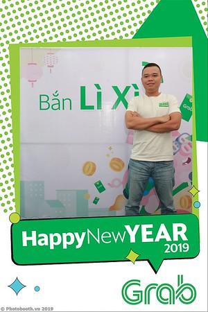 Grab-Da-Nang-Office-New-Year-instant-print-photobooth-Chup-anh-hinh-hinh-lay-lien-nam-moi-photobooth-vietnam-006-1