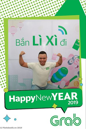 Grab-Da-Nang-Office-New-Year-instant-print-photobooth-Chup-anh-hinh-hinh-lay-lien-nam-moi-photobooth-vietnam-006-4