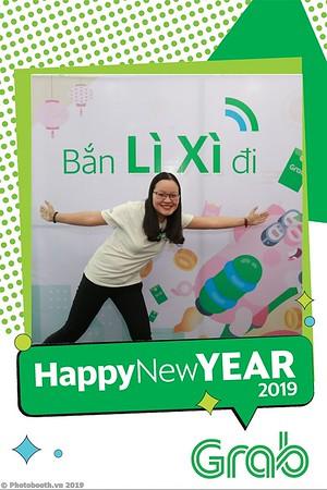 Grab-Da-Nang-Office-New-Year-instant-print-photobooth-Chup-anh-hinh-hinh-lay-lien-nam-moi-photobooth-vietnam-001-2