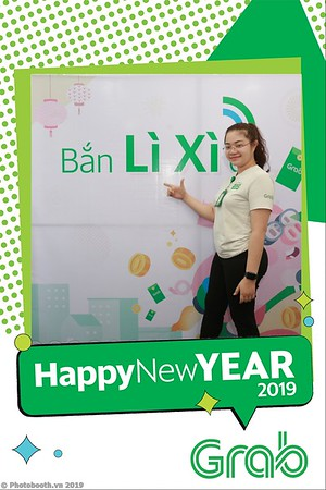 Grab-Da-Nang-Office-New-Year-instant-print-photobooth-Chup-anh-hinh-hinh-lay-lien-nam-moi-photobooth-vietnam-011-1