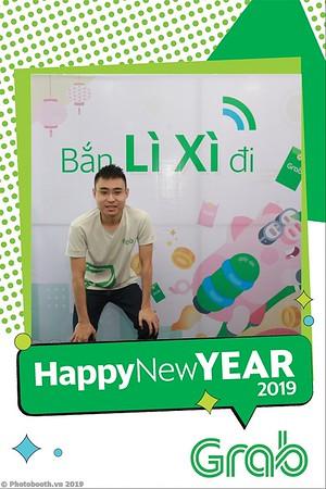 Grab-Da-Nang-Office-New-Year-instant-print-photobooth-Chup-anh-hinh-hinh-lay-lien-nam-moi-photobooth-vietnam-008-1