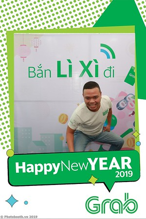 Grab-Da-Nang-Office-New-Year-instant-print-photobooth-Chup-anh-hinh-hinh-lay-lien-nam-moi-photobooth-vietnam-006-2