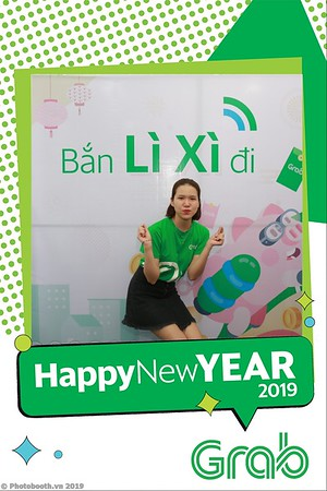 Grab-Da-Nang-Office-New-Year-instant-print-photobooth-Chup-anh-hinh-hinh-lay-lien-nam-moi-photobooth-vietnam-009-1