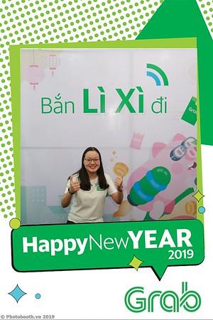 Grab-Da-Nang-Office-New-Year-instant-print-photobooth-Chup-anh-hinh-hinh-lay-lien-nam-moi-photobooth-vietnam-002-2