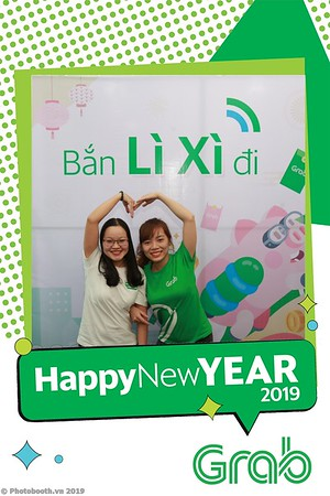 Grab-Da-Nang-Office-New-Year-instant-print-photobooth-Chup-anh-hinh-hinh-lay-lien-nam-moi-photobooth-vietnam-004-3