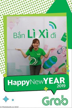 Grab-Da-Nang-Office-New-Year-instant-print-photobooth-Chup-anh-hinh-hinh-lay-lien-nam-moi-photobooth-vietnam-005-1