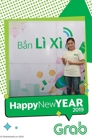 Grab-Da-Nang-Office-New-Year-instant-print-photobooth-Chup-anh-hinh-hinh-lay-lien-nam-moi-photobooth-vietnam-010-3