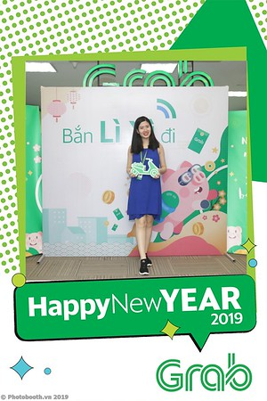 Grab-Hanoi-Kim-Anh-Office-New-Year-instant-print-photobooth-Chup-anh-hinh-hinh-lay-lien-nam-moi-photobooth-vietnam-002-1