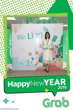 Grab-Hanoi-Kim-Anh-Office-New-Year-instant-print-photobooth-Chup-anh-hinh-hinh-lay-lien-nam-moi-photobooth-vietnam-008-1