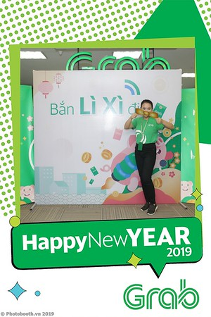 Grab-Hanoi-Kim-Anh-Office-New-Year-instant-print-photobooth-Chup-anh-hinh-hinh-lay-lien-nam-moi-photobooth-vietnam-012-2