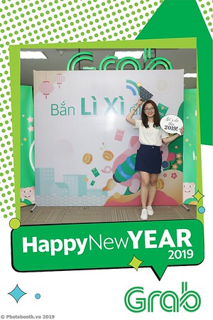 Grab-Hanoi-Kim-Anh-Office-New-Year-instant-print-photobooth-Chup-anh-hinh-hinh-lay-lien-nam-moi-photobooth-vietnam-011-4