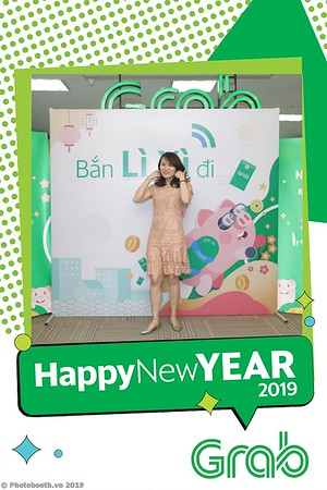 Grab-Hanoi-Kim-Anh-Office-New-Year-instant-print-photobooth-Chup-anh-hinh-hinh-lay-lien-nam-moi-photobooth-vietnam-001-2