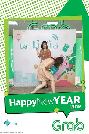 Grab-Hanoi-Kim-Anh-Office-New-Year-instant-print-photobooth-Chup-anh-hinh-hinh-lay-lien-nam-moi-photobooth-vietnam-004-3