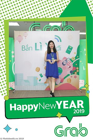 Grab-Hanoi-Kim-Anh-Office-New-Year-instant-print-photobooth-Chup-anh-hinh-hinh-lay-lien-nam-moi-photobooth-vietnam-003-4