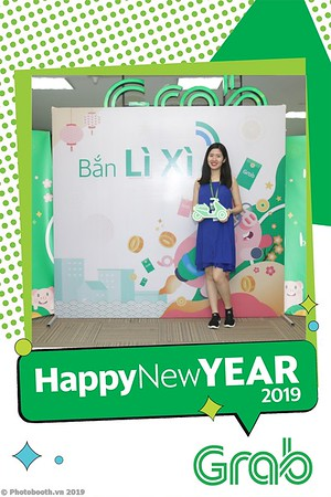 Grab-Hanoi-Kim-Anh-Office-New-Year-instant-print-photobooth-Chup-anh-hinh-hinh-lay-lien-nam-moi-photobooth-vietnam-006-1
