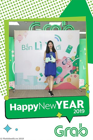 Grab-Hanoi-Kim-Anh-Office-New-Year-instant-print-photobooth-Chup-anh-hinh-hinh-lay-lien-nam-moi-photobooth-vietnam-003-1