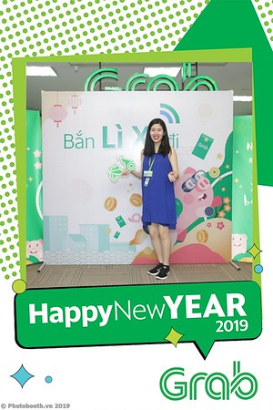 Grab-Hanoi-Kim-Anh-Office-New-Year-instant-print-photobooth-Chup-anh-hinh-hinh-lay-lien-nam-moi-photobooth-vietnam-002-2
