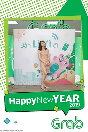 Grab-Hanoi-Kim-Anh-Office-New-Year-instant-print-photobooth-Chup-anh-hinh-hinh-lay-lien-nam-moi-photobooth-vietnam-001-4