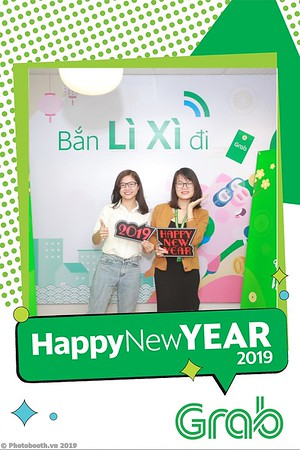 Grab-Hanoi-Van-Phuc-Office-New-Year-instant-print-photobooth-Chup-anh-hinh-hinh-lay-lien-nam-moi-photobooth-vietnam-007-2
