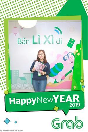 Grab-Hanoi-Van-Phuc-Office-New-Year-instant-print-photobooth-Chup-anh-hinh-hinh-lay-lien-nam-moi-photobooth-vietnam-002-1