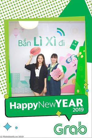 Grab-Hanoi-Van-Phuc-Office-New-Year-instant-print-photobooth-Chup-anh-hinh-hinh-lay-lien-nam-moi-photobooth-vietnam-011-1