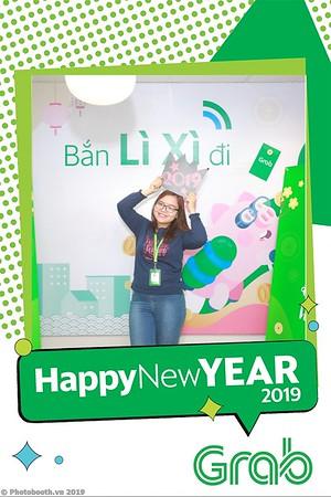 Grab-Hanoi-Van-Phuc-Office-New-Year-instant-print-photobooth-Chup-anh-hinh-hinh-lay-lien-nam-moi-photobooth-vietnam-002-2