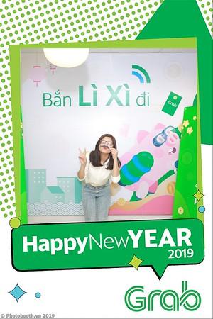 Grab-Hanoi-Van-Phuc-Office-New-Year-instant-print-photobooth-Chup-anh-hinh-hinh-lay-lien-nam-moi-photobooth-vietnam-004-1