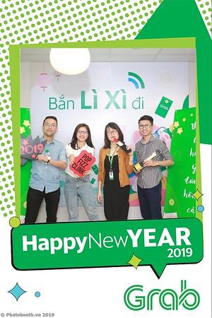 Grab-Hanoi-Van-Phuc-Office-New-Year-instant-print-photobooth-Chup-anh-hinh-hinh-lay-lien-nam-moi-photobooth-vietnam-008-4
