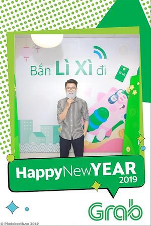 Grab-Hanoi-Van-Phuc-Office-New-Year-instant-print-photobooth-Chup-anh-hinh-hinh-lay-lien-nam-moi-photobooth-vietnam-006-1