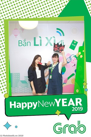 Grab-Hanoi-Van-Phuc-Office-New-Year-instant-print-photobooth-Chup-anh-hinh-hinh-lay-lien-nam-moi-photobooth-vietnam-011-3