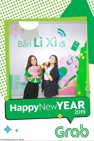 Grab-Hanoi-Van-Phuc-Office-New-Year-instant-print-photobooth-Chup-anh-hinh-hinh-lay-lien-nam-moi-photobooth-vietnam-009-2