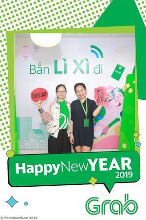 Grab-Hanoi-Van-Phuc-Office-New-Year-instant-print-photobooth-Chup-anh-hinh-hinh-lay-lien-nam-moi-photobooth-vietnam-010-3