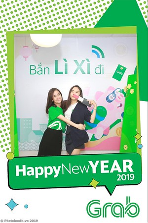 Grab-Hanoi-Van-Phuc-Office-New-Year-instant-print-photobooth-Chup-anh-hinh-hinh-lay-lien-nam-moi-photobooth-vietnam-009-4