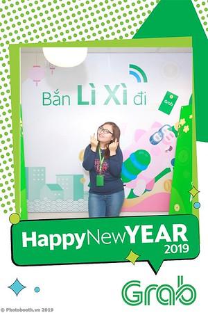 Grab-Hanoi-Van-Phuc-Office-New-Year-instant-print-photobooth-Chup-anh-hinh-hinh-lay-lien-nam-moi-photobooth-vietnam-001-3