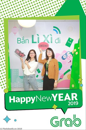 Grab-Hanoi-Van-Phuc-Office-New-Year-instant-print-photobooth-Chup-anh-hinh-hinh-lay-lien-nam-moi-photobooth-vietnam-007-1