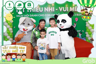GrabKid-Tet-Thieu-Nhi-Vui-Me-Ly-Children-Day-Activation-instant-print-WefieBox-photo-booth-Vietnam-036
