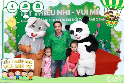 GrabKid-Tet-Thieu-Nhi-Vui-Me-Ly-Children-Day-Activation-instant-print-WefieBox-photo-booth-Vietnam-035