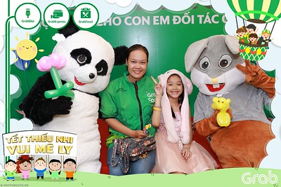GrabKid-Tet-Thieu-Nhi-Vui-Me-Ly-Children-Day-Activation-instant-print-WefieBox-photo-booth-Vietnam-018