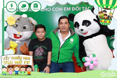 GrabKid-Tet-Thieu-Nhi-Vui-Me-Ly-Children-Day-Activation-instant-print-WefieBox-photo-booth-Vietnam-019