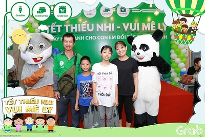 GrabKid-Tet-Thieu-Nhi-Vui-Me-Ly-Children-Day-Activation-instant-print-WefieBox-photo-booth-Vietnam-045