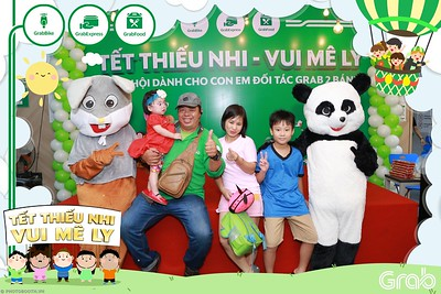 GrabKid-Tet-Thieu-Nhi-Vui-Me-Ly-Children-Day-Activation-instant-print-WefieBox-photo-booth-Vietnam-046