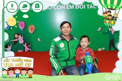 GrabKid-Tet-Thieu-Nhi-Vui-Me-Ly-Children-Day-Activation-instant-print-WefieBox-photo-booth-Vietnam-014